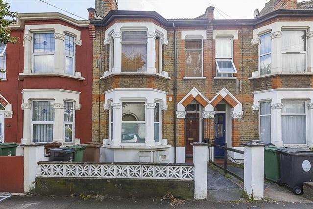 1 Bedroom Flat for sale in Dawlish Road, Leyton