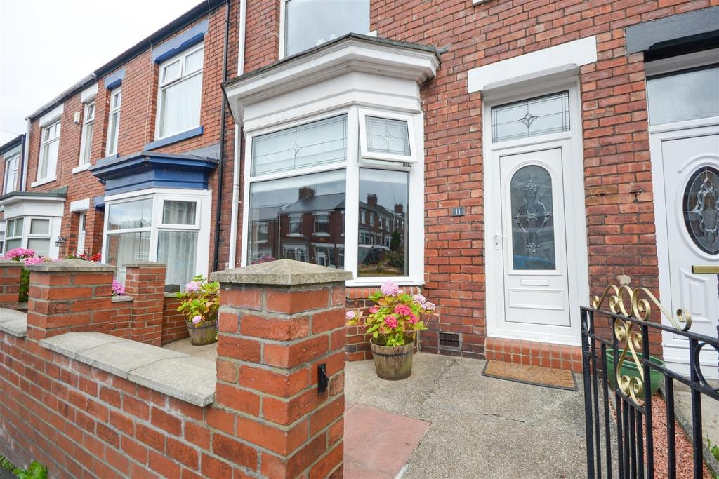 3 Bedrooms Terraced House for sale in Farnham Terrace, High Barnes, Sunderland