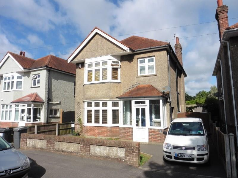 4 Bedrooms Detached House for sale in The Grove, Moordown, Bournemouth