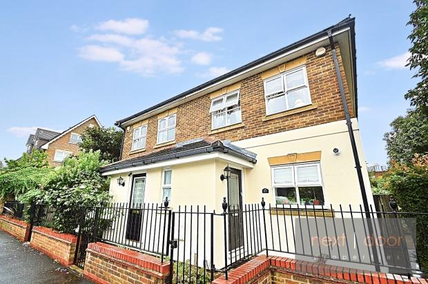 3 Bedrooms Semi Detached House for sale in Langton Road, Oval, SW9