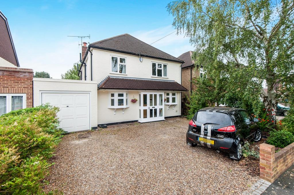 4 Bedrooms House for sale in Heathside, Hinchley Wood, Esher