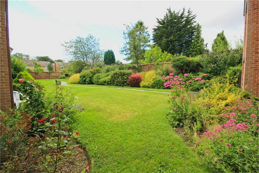 1 Bedroom Flat for sale in West End, Swanland, East Riding of Yorkshire
