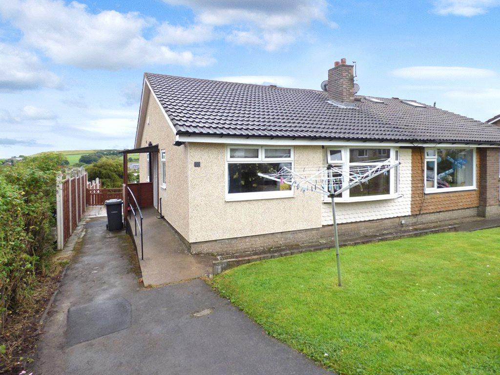 3 Bedrooms Semi Detached Bungalow for sale in Hornsea Drive, Wilsden, Bradford, West Yorkshire