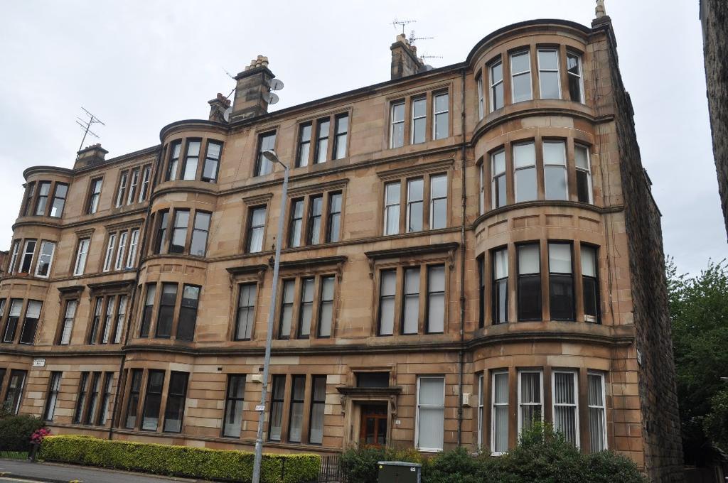 3 Bedrooms Flat for rent in Highburgh Road, Flat 2/1, Hyndland, Glasgow, G12 9YD