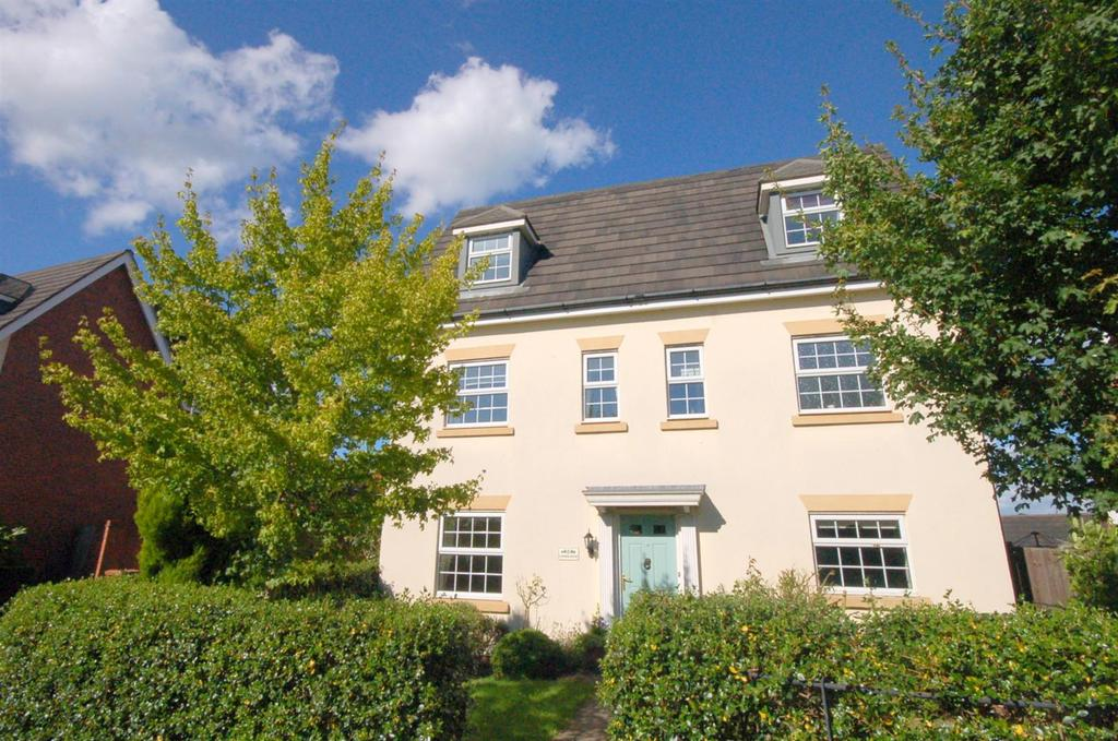 6 Bedrooms Detached House for sale in Chesterton Way, Wychwood Village