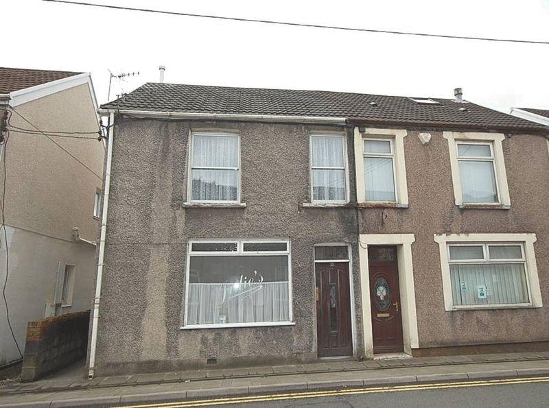 3 Bedrooms Semi Detached House for sale in 32 High Street, Glynneath, Neath, SA11 5BU