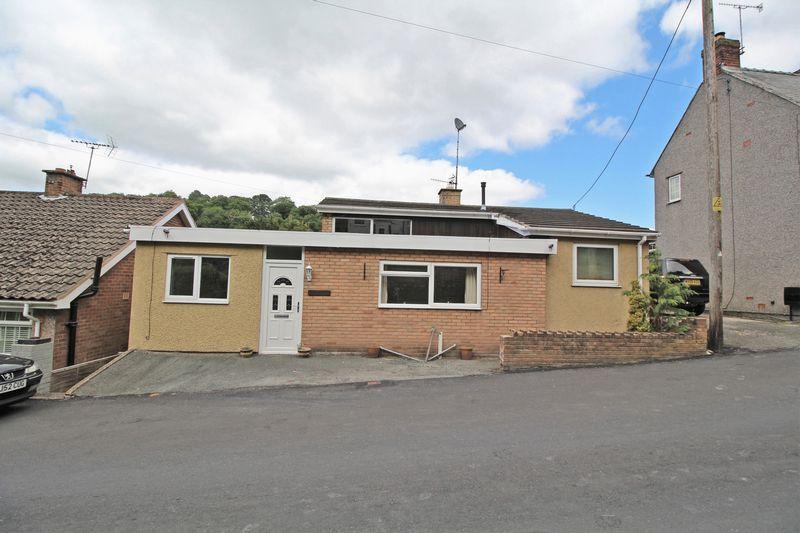4 Bedrooms Detached House for sale in Birch Hill, Llangollen