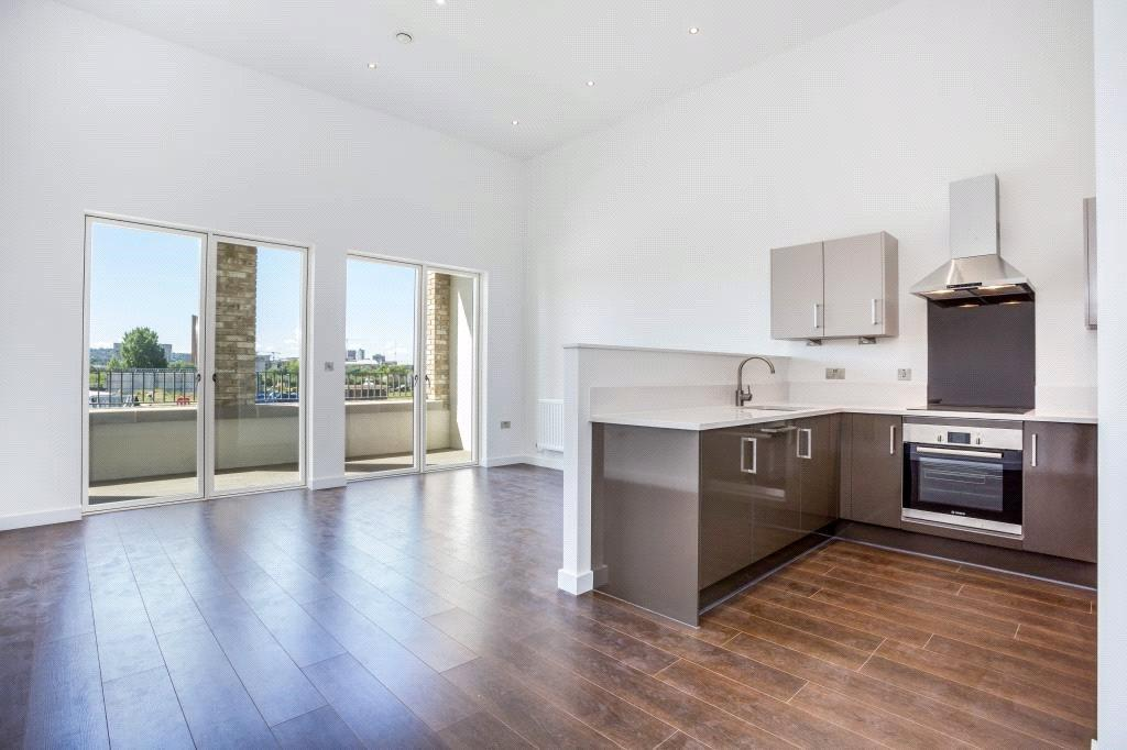 2 Bedrooms Flat for sale in Lock Side Way, Royal Albert Wharf, London, E16