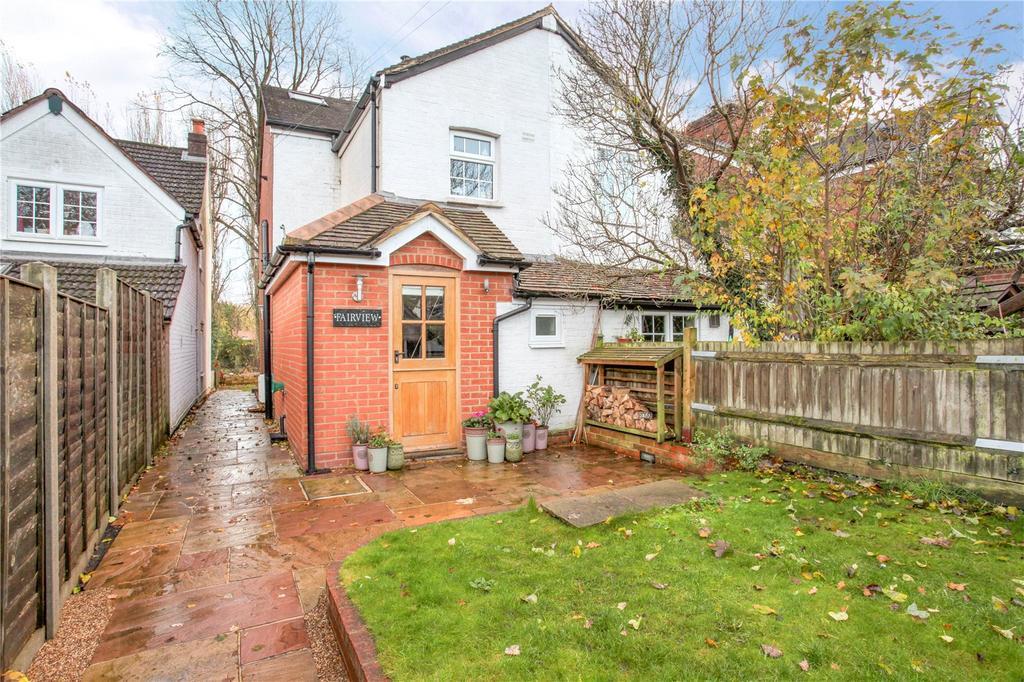 3 Bedrooms Unique Property for sale in Chapel Lane, Binfield, Bracknell, Berkshire, RG42
