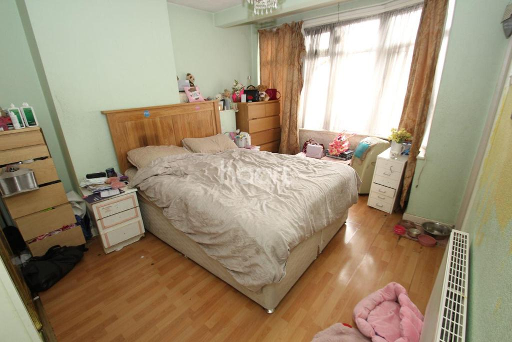 5 Bedrooms End Of Terrace House for sale in Craven Gardens, Barkingside