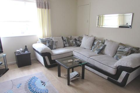 1 bedroom flat to rent - Lance Close