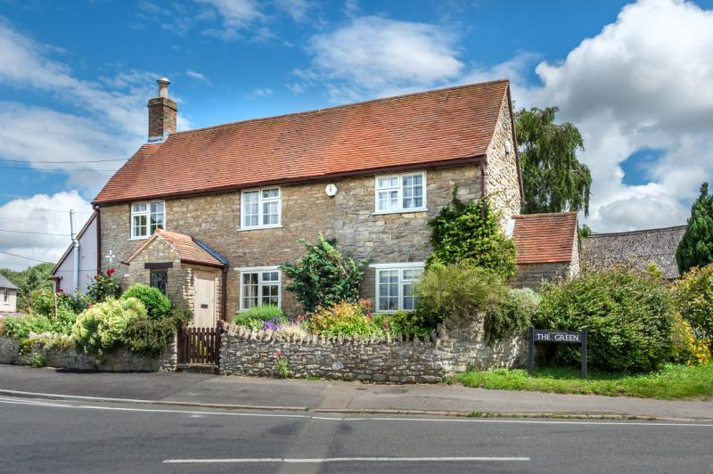 4 Bedrooms Detached House for sale in The Green, Garsington, Oxford, Oxfordshire