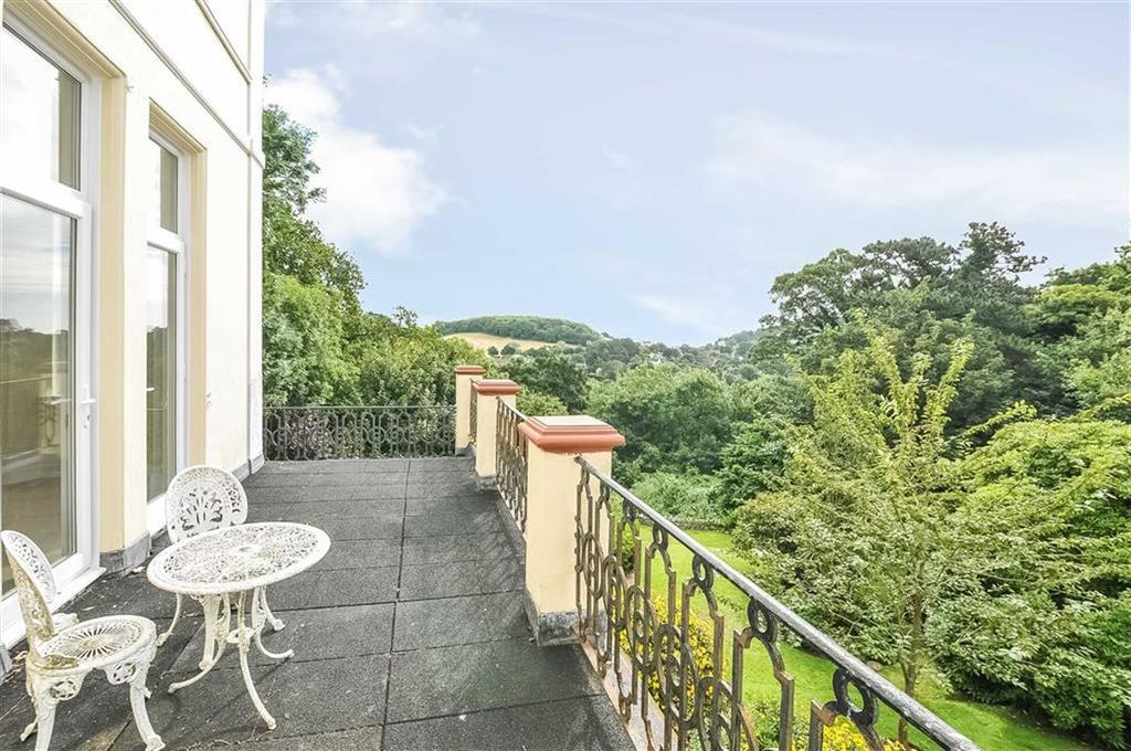 3 Bedrooms Apartment Flat for sale in Kents Road, Torquay, TQ1