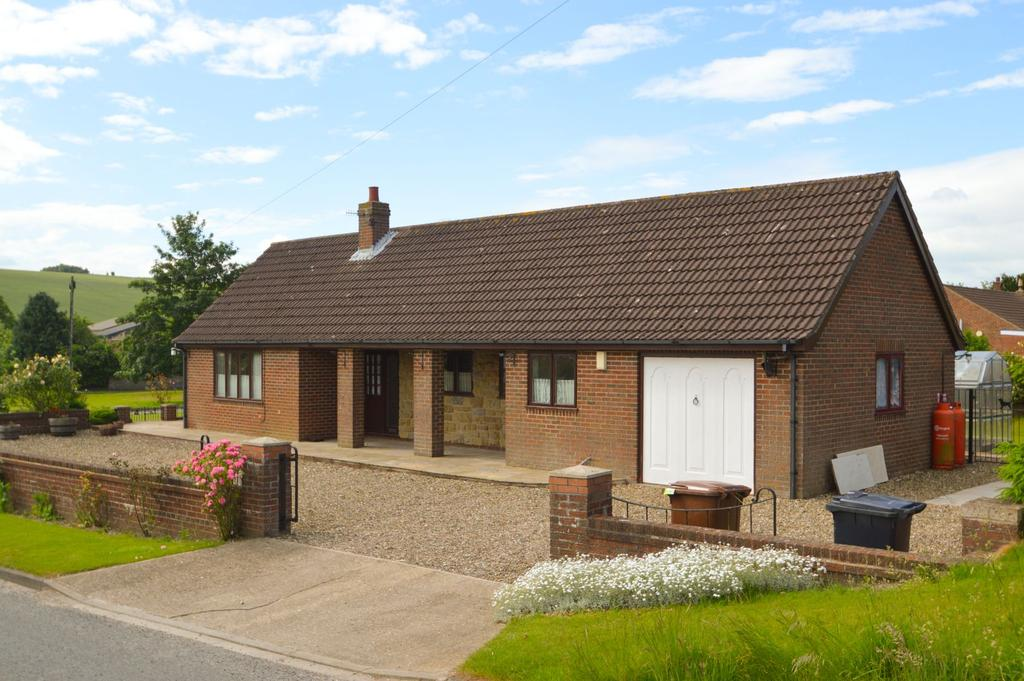 3 Bedrooms Detached Bungalow for sale in Helperthorpe, Malton YO17