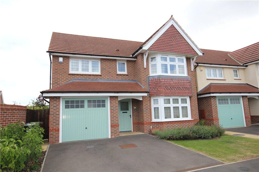4 Bedrooms Detached House for sale in Earls Court Way, Worcester, Worcestershire, WR2