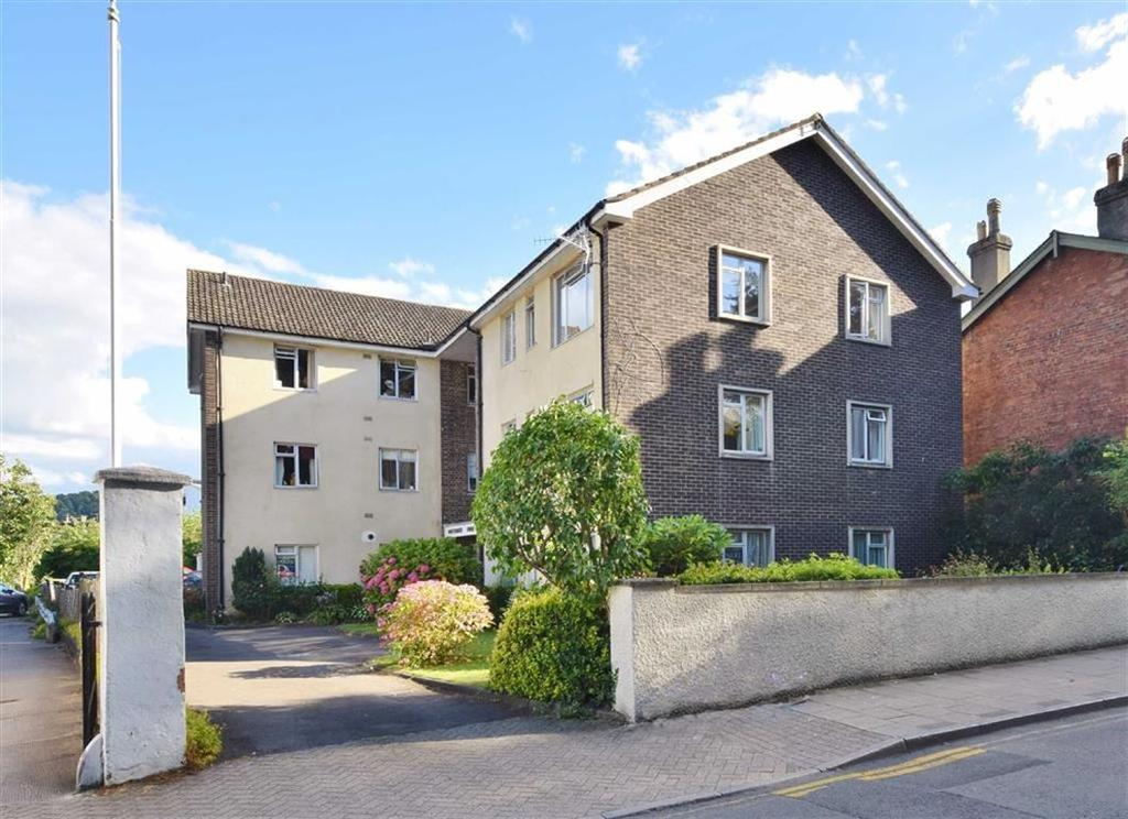 2 Bedrooms Flat for sale in Whitecross Court, Monmouth, Monmouthshire
