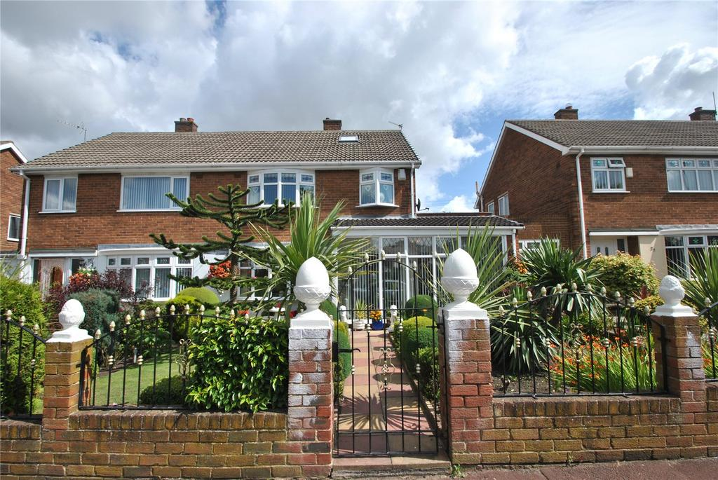 3 Bedrooms Semi Detached House for sale in Moorhouse Gardens, Hetton le Hole, Tyne and Wear, DH5