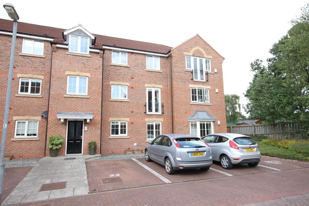 2 Bedrooms Flat for sale in Wolfreton Mews, Willerby