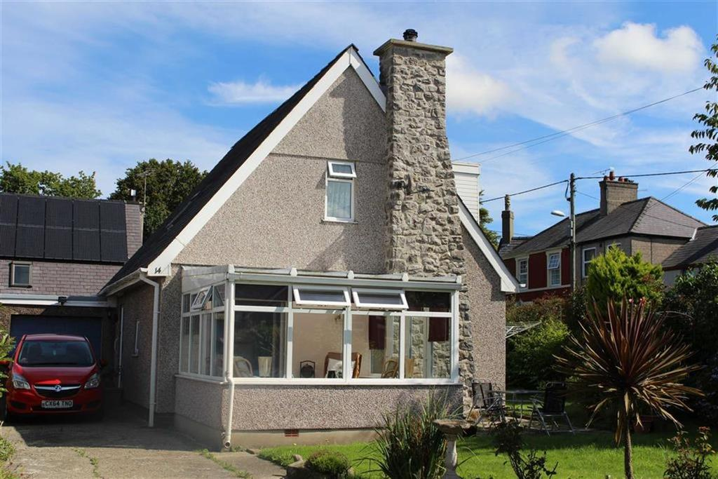 3 Bedrooms Detached House for sale in Erw Wen, Caernarfon