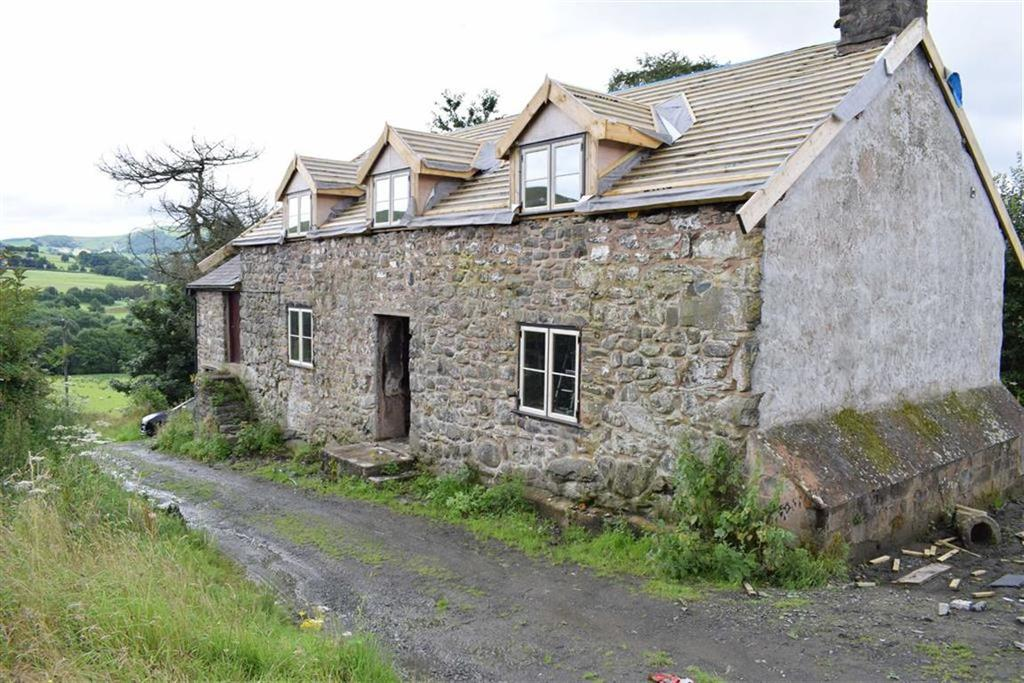 4 Bedrooms Farm House Character Property for sale in Ty Canol, Tafolwern, Llanbrynmair, Powys, SY19