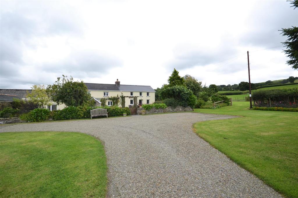 4 Bedrooms Land Commercial for sale in Llanllwni, Llanybydder