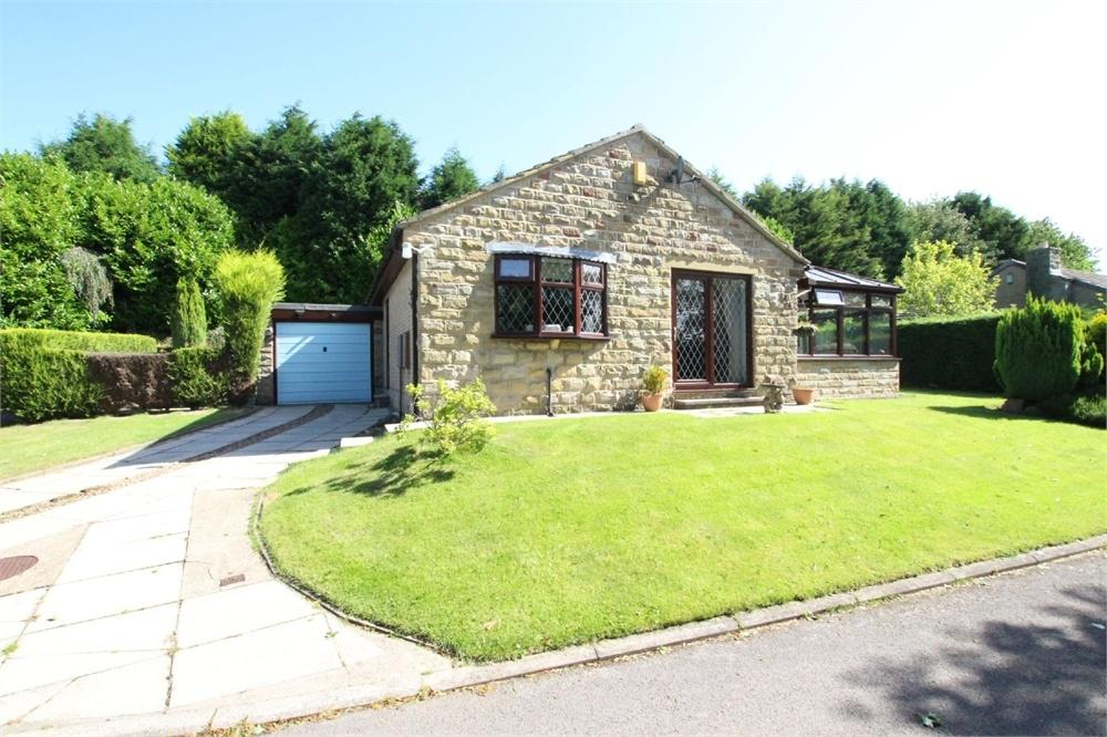 2 Bedrooms Detached Bungalow for sale in Stockwell Drive, BATLEY, West Yorkshire