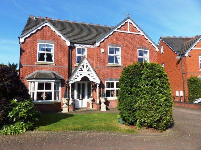 5 Bedrooms Detached House for sale in Wallace Court,Cheslyn Hay,Walsall