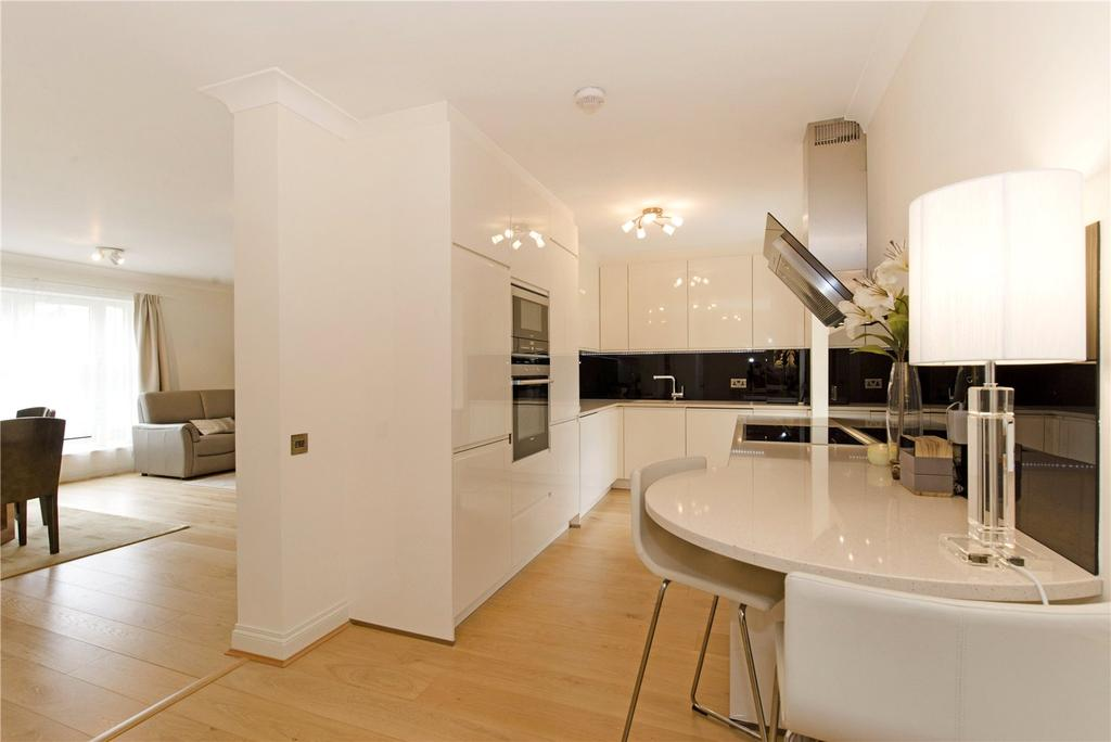 2 Bedrooms Flat for sale in Trinity Court, 170a Gloucester Terrace, London