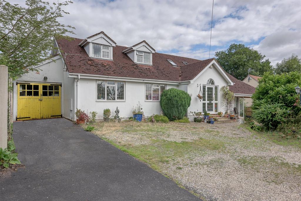 4 Bedrooms Detached Bungalow for sale in Westgate Drive, Bridgnorth, Shropshire