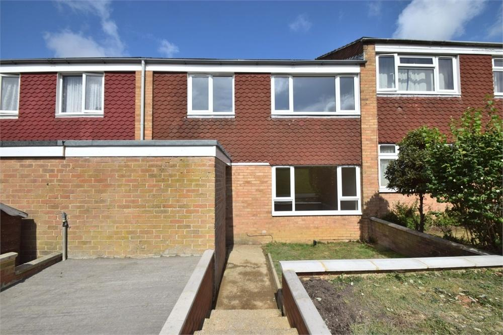 3 Bedrooms Terraced House for sale in Primrose Close, Langney