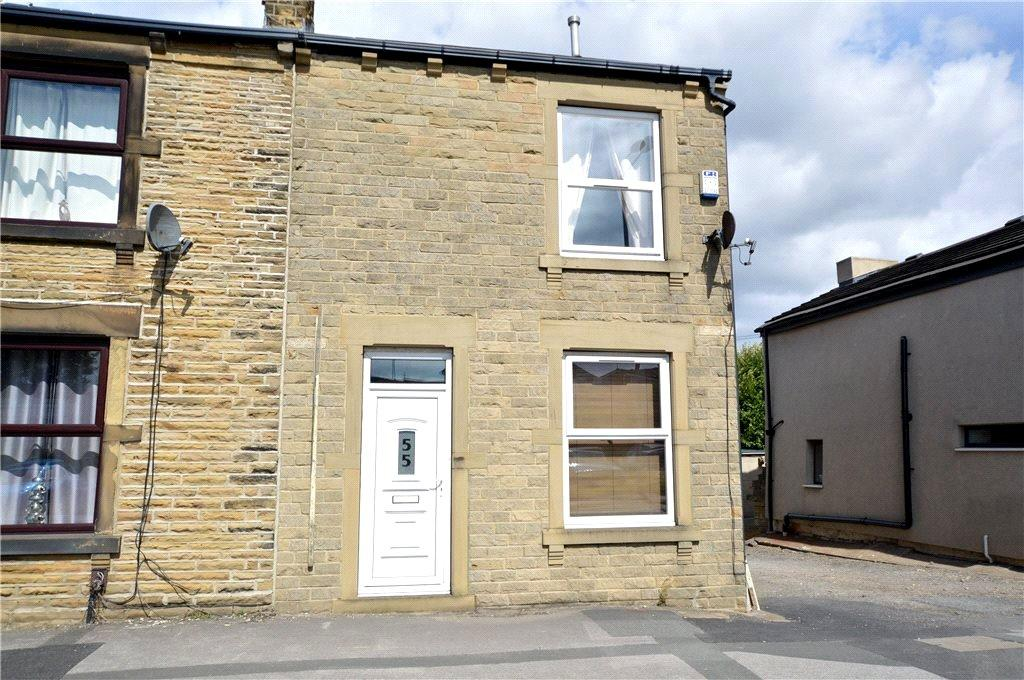 3 Bedrooms Terraced House for sale in Wakefield Road, Drighlington, Bradford