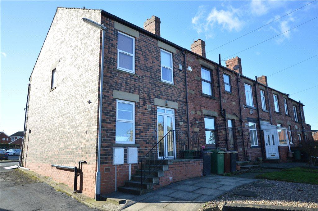 3 Bedrooms Terraced House for sale in Wakefield Road, Drighlington