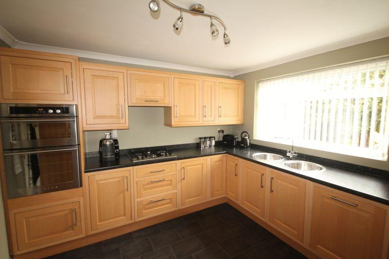4 Bedrooms Detached House for sale in Wolviston Back Lane, Billingham