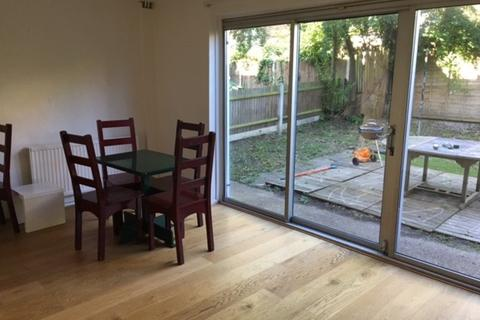 4 bedroom terraced house to rent - Vibart Gardens, London