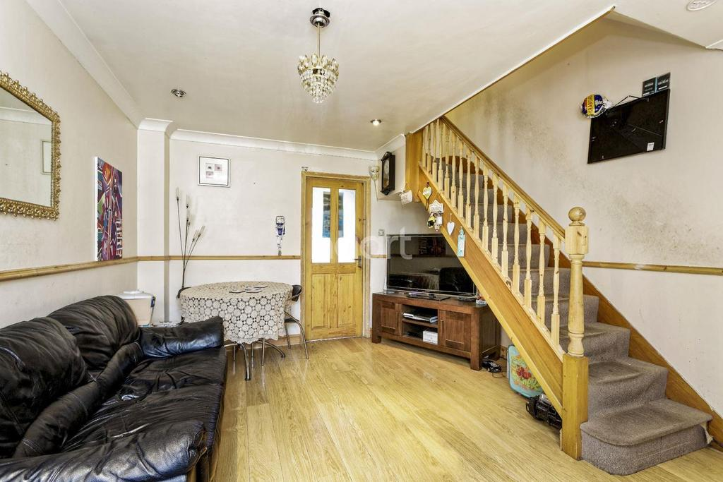2 Bedrooms Terraced House for sale in Langton Close