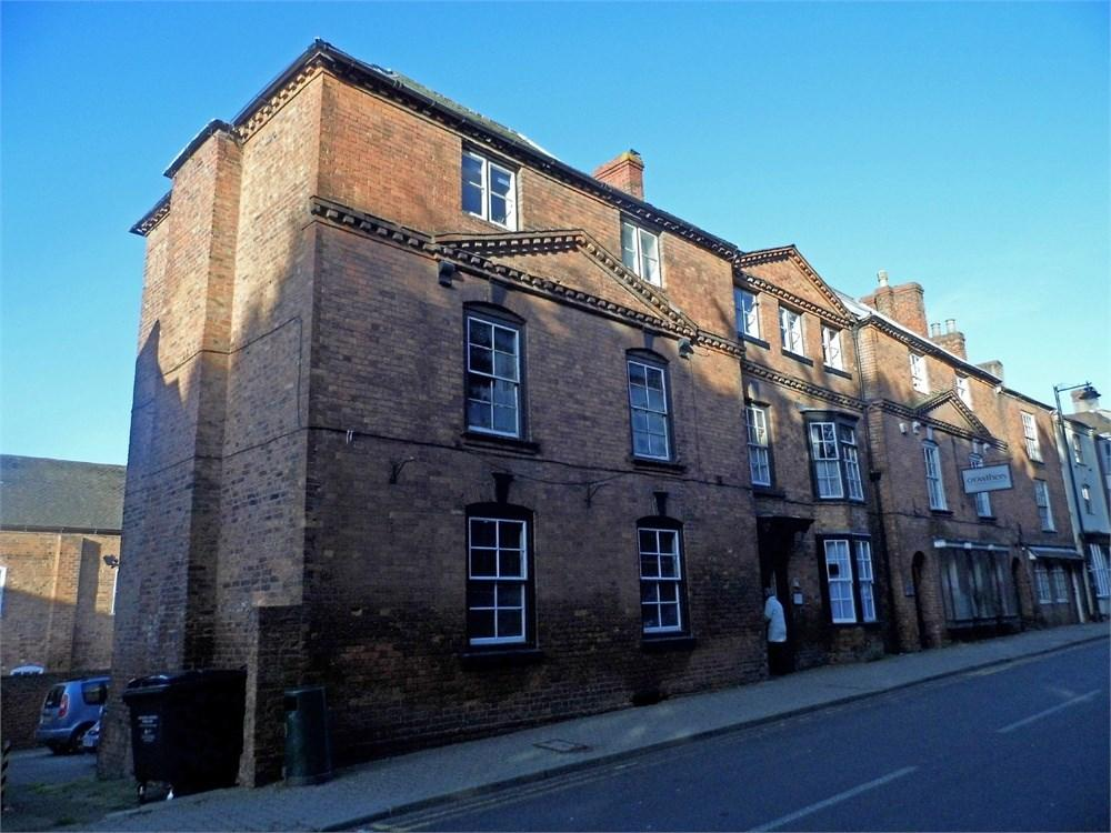 2 Bedrooms Flat for sale in Flat , The Court House, The Southend, Ledbury, HR8