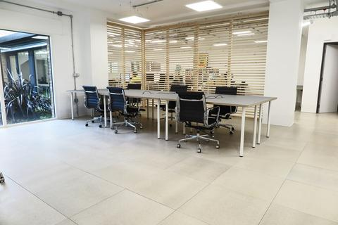 Serviced office to rent - Andre Street E8
