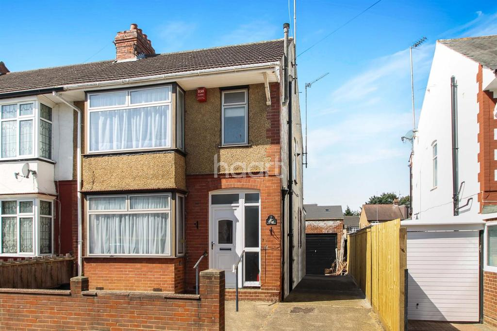 3 Bedrooms End Of Terrace House for sale in Saints Area