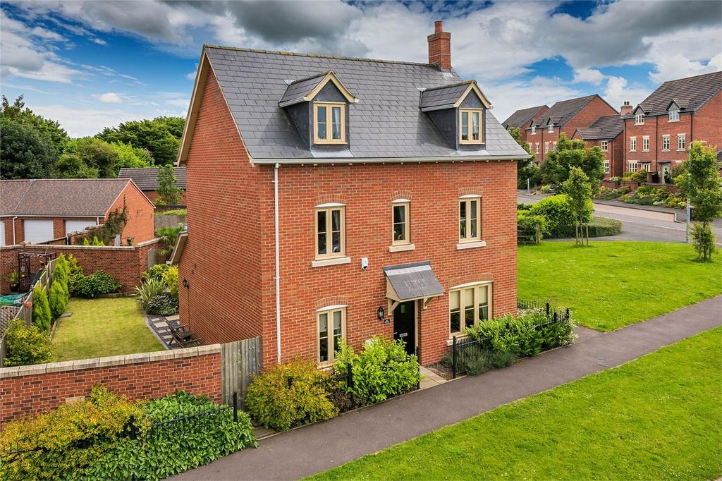4 Bedrooms Detached House for sale in Glendale, Lawley Village, Telford, Shropshire
