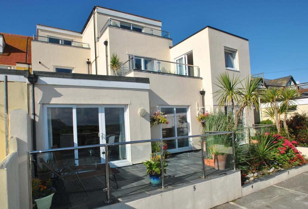 3 Bedrooms Apartment Flat for sale in Golden Bay Apartments, Pentire Avenue