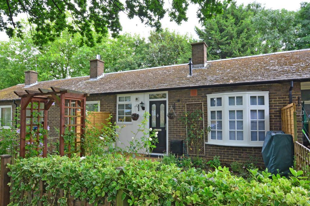 1 Bedroom Terraced Bungalow for sale in Casterbridge Road, Blackheath, London, SE3