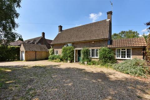 4 bedroom detached house to rent - Walkwood Rise, Beaconsfield, Buckinghamshire, HP9