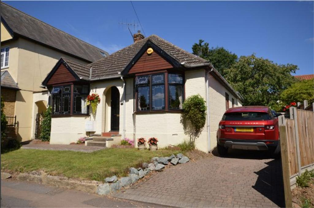 3 Bedrooms Detached Bungalow for sale in 21 Brook Road, Epping, Essex
