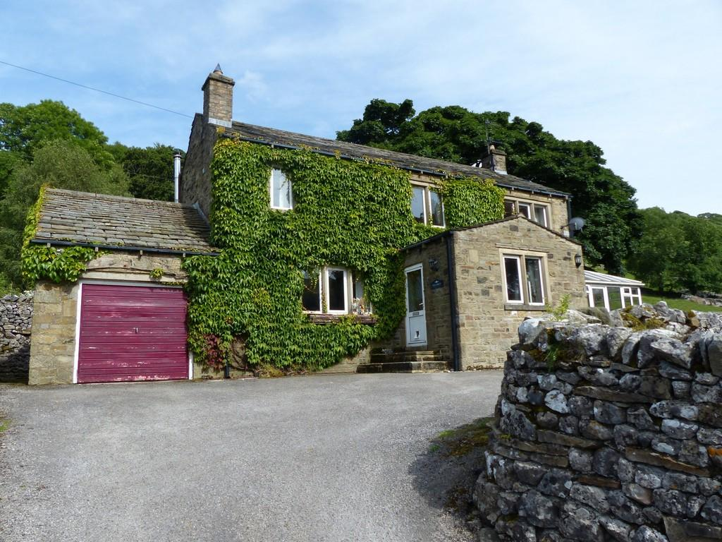 4 Bedrooms Detached House for sale in Gillcroft, Starbotton