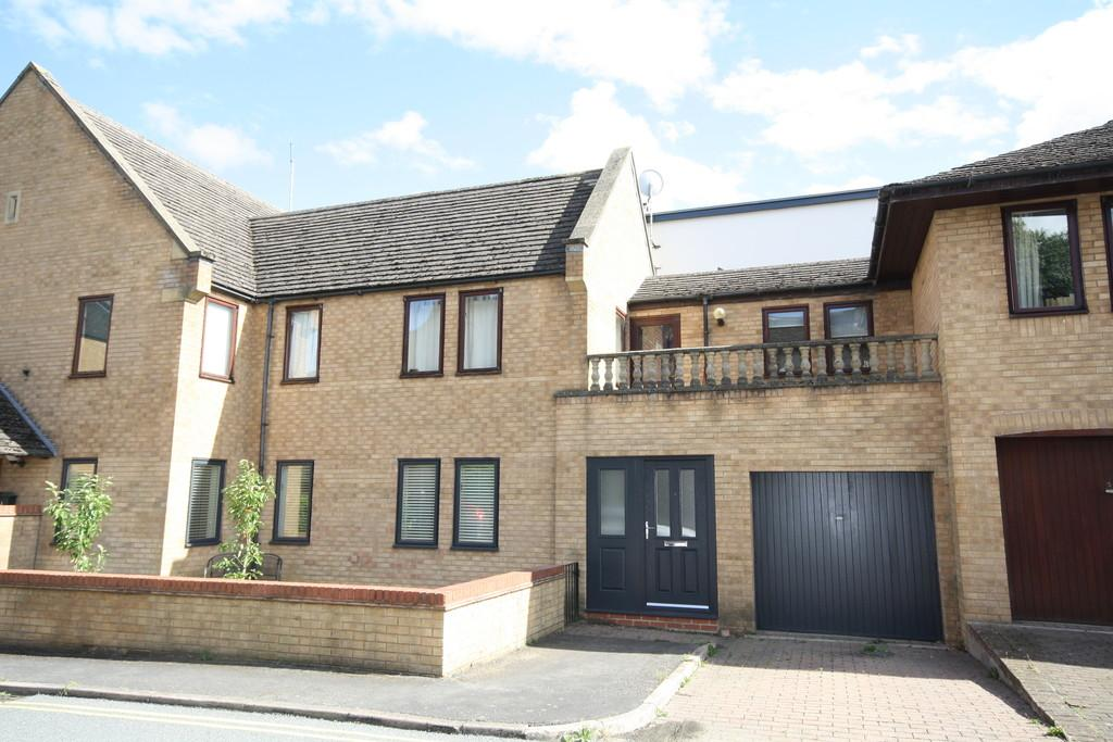 2 Bedrooms Ground Flat for sale in Welland Mews, Stamford