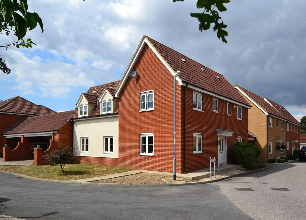 4 Bedrooms Detached House for sale in Fels Way, Mayland