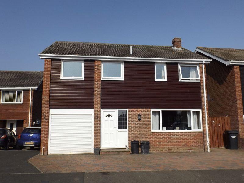 4 Bedrooms Detached House for sale in Augustus Drive, Bedlington