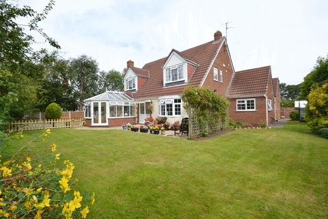 4 bedroom detached house for sale - Meols Drive, Hoylake