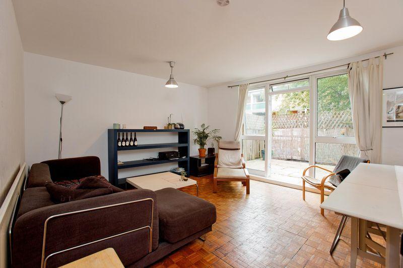 3 Bedrooms Apartment Flat for sale in Camden Street, Camden, NW1