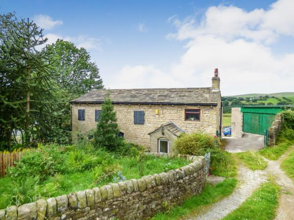 4 Bedrooms Country House Character Property for sale in Parrock Farm and Barn, Lane Top, Winewall BB8 8BU